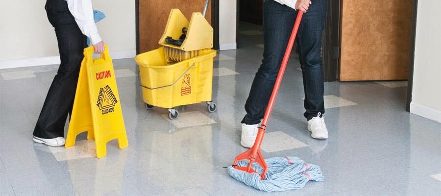 personal-de-limpieza-y-mantenimiento1