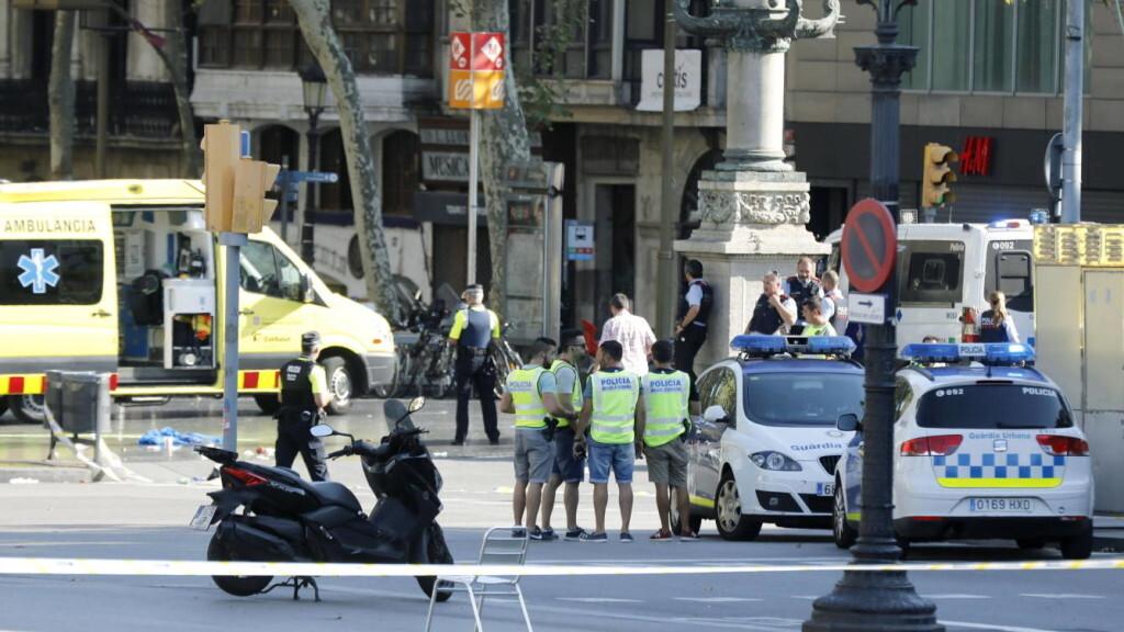 videos-tras-el-ataque-terrorista-de-las-ramblas-de-barcelona-y-cambrils