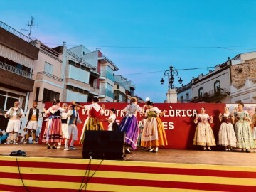 Èxit este cap de setmana en la VI folklórica de Cabanes (10)