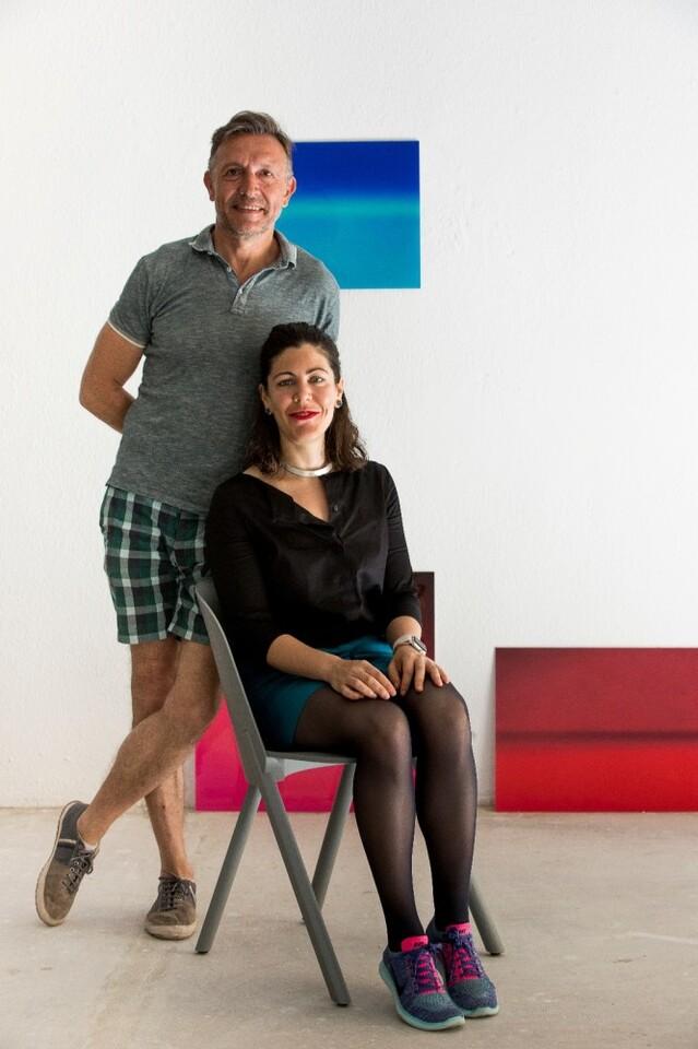 Alejandra Gandia-Blasco, y el comisario Jose Luis Clemente,El color de la primera luz (2)