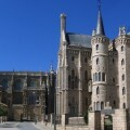 Astorga_Cathedral_Bishops_palace_2005-1140x570