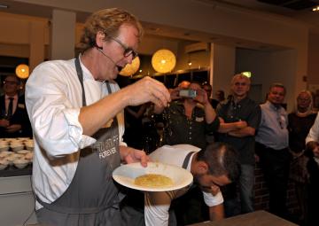 Bernd Knöller, del restaurante Riff
