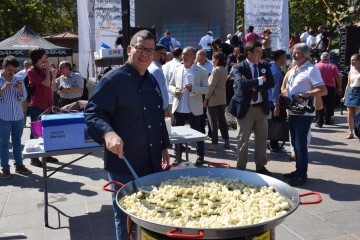 Valencia muestra la riqueza de su plato más tradicional la paella en su World Paella Day 20180920_114141 (201)
