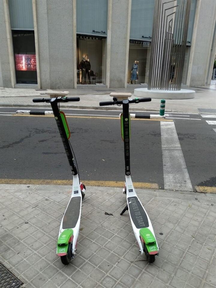 Vuelven a aparecer patinetes eléctricos de alquiler en varias calles de València