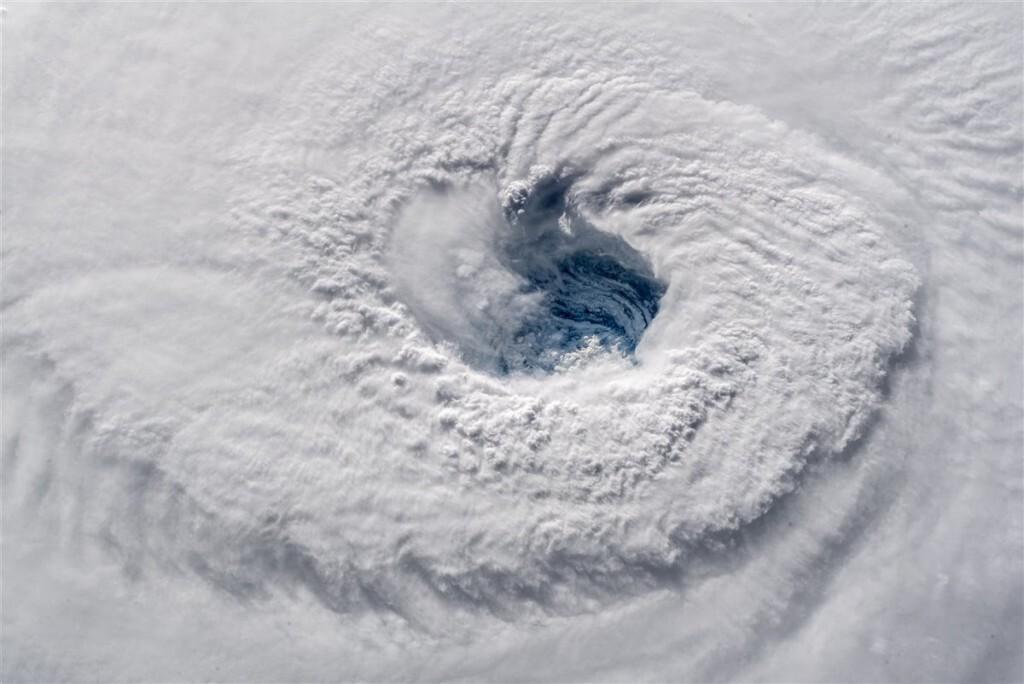 el-ojo-del-huracan-florence_5c762986_1200x802