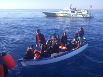 inmigrantes patera Problemática del servicio SIVE de la Guardia Civil en Alicante (3)