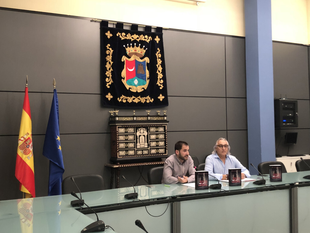 El Ayuntamiento de Benaguasil invita al escritor valenciano José Antonio Murgui a presentar sus novelas.