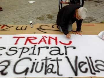 Manifestación realizada en la calle Murillo de Valencia para protestar por la saturación de tráfico (7)