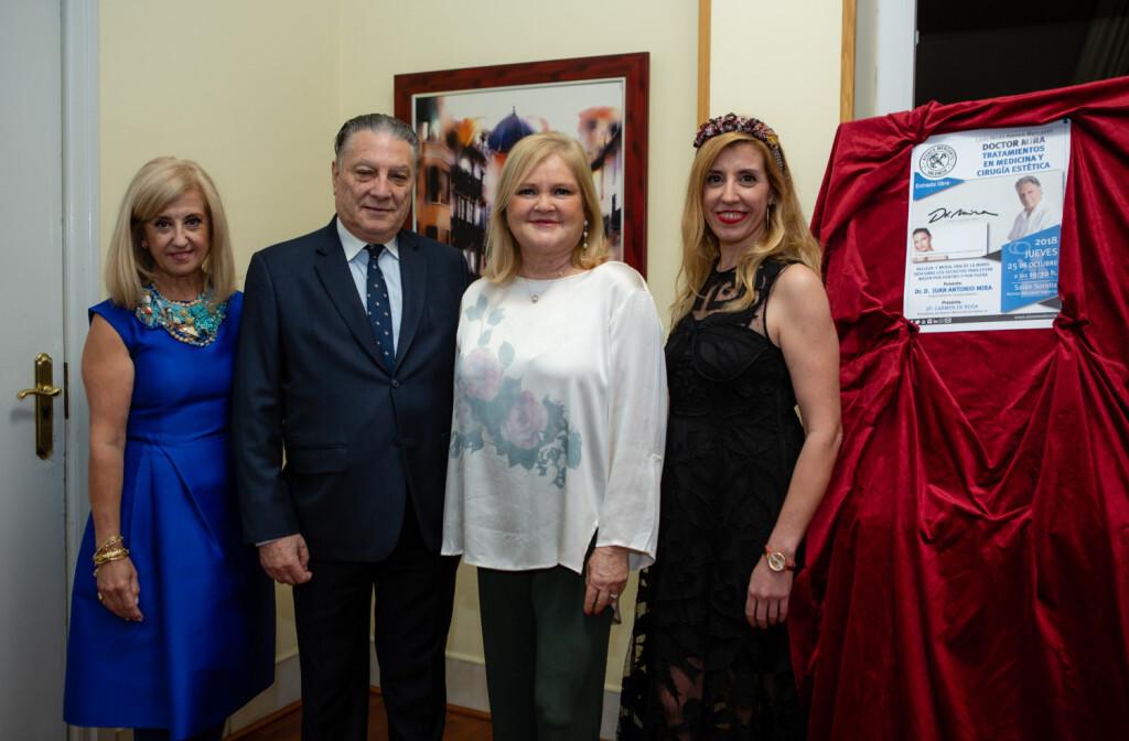 Maria Rosa Fenollar, Juan Antonio Mira, Carmen de Rosa y Judith Mas
