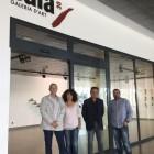 La 'Sala 30' del aeropuerto de Castellón promueve una exposición con obras vinculadas al Macvac y al Museu de Ceràmica de l'Alcora