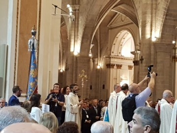 l Cardenal Cañizares preside el solemne Te Deum en la Catedral de Valencia con motivo del 9 de Octubre (8)