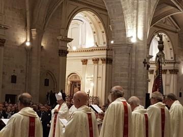 l Cardenal Cañizares preside el solemne Te Deum en la Catedral de Valencia con motivo del 9 de Octubre (9)