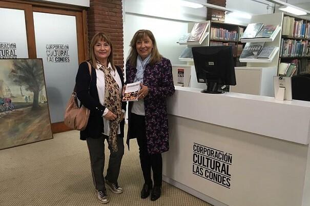 0 Angélica Leal, delegada de LIBRO, VUELA LIBRE en Chile, en la Corporación cultural Las Condes