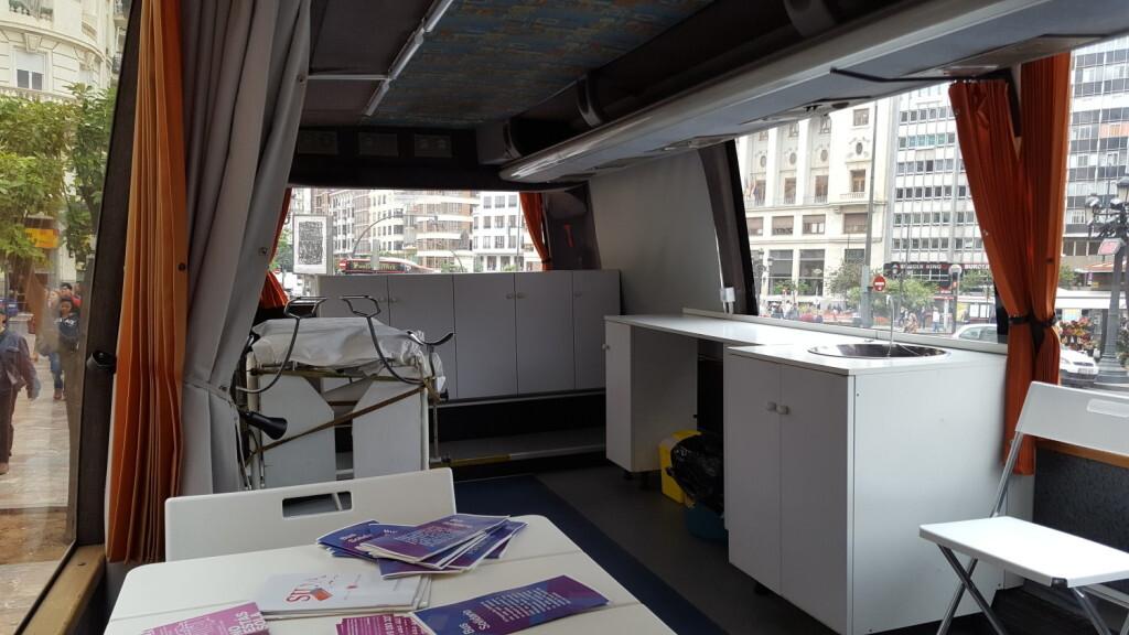 1116 Bus solidari interior