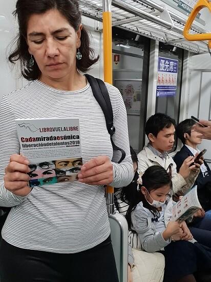 12 Cada mirada es única en el metro de Tokio