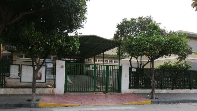 Imagen-fachada-CEIP-Canales-Martinez_EDIIMA20181116_0913_19