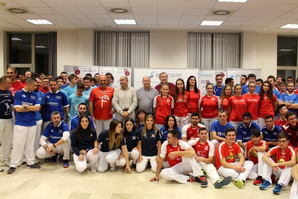 La presentació de les finals es va omplir amb tots els equips