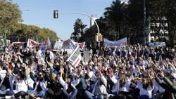 Medicos-Cataluna-afrontan-fracaso-negociador_EDIIMA20181128_0040_4