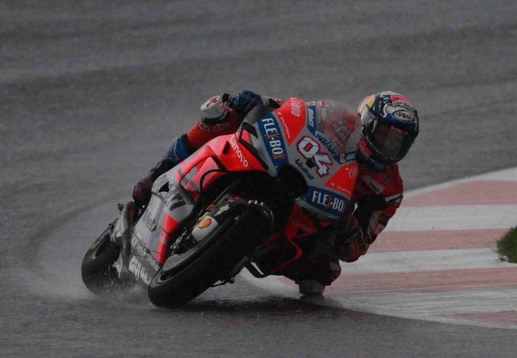 ValenciaGP-Dovizioso-Race-Tumbada-baja