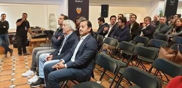 Vicente Gandía presenta el vino del Centenario del Valencia C.F. 20181120_120525 (71)