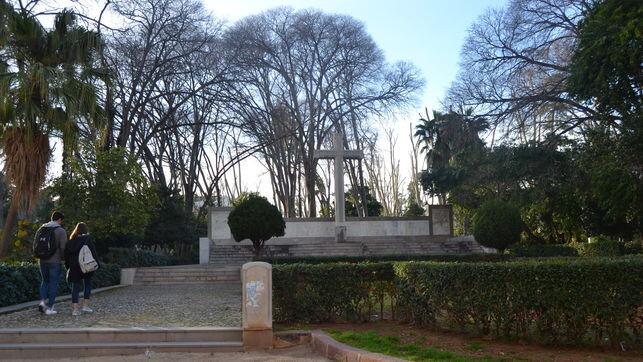 cruz-caidos-parque-Ribalta-Castellon_EDIIMA20181129_1092_1