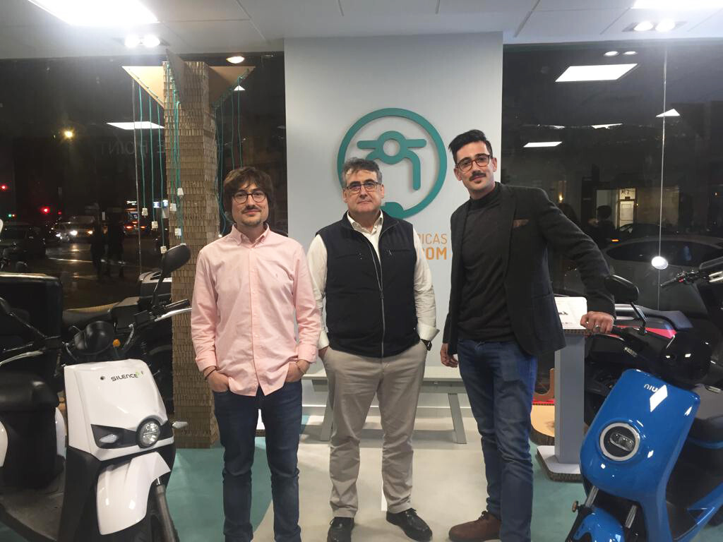(de izquierda a derecha) Pedro Lorca, CEO; Pedro Lorca, Consejero; Álvaro Lorca, Gerente