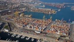 puerto-Valencia-totalmente-paralizado-fondeando_EDIIMA20170615_0230_22