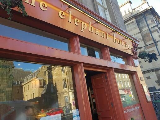 "2 The Elephan House"", café emblemático de Edimburgo donde J.K.Rowling escribió los primeros capítulos de Harry Potter"