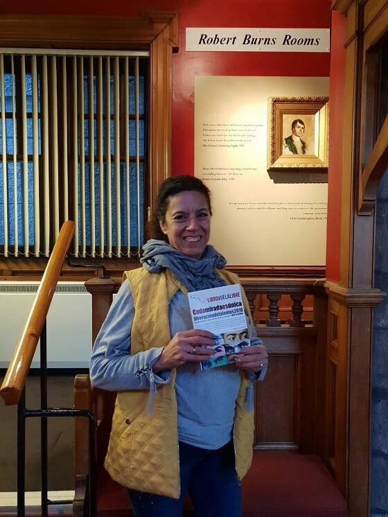 6 La delegada de LIBRO, VUELA LIBRE en el museo de los escritores ubicado en el Lady Stair's close