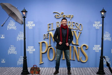 MADRID, SPAIN - DECEMBER 11: Actor Inaki Urrutia attends 'El Regreso de Mary Poppins' premiere at Kinelpolis cinema on December 11, 2018 in Madrid, Spain. (Photo by Pablo Cuadra/Getty Images for Walt Disney Studios)