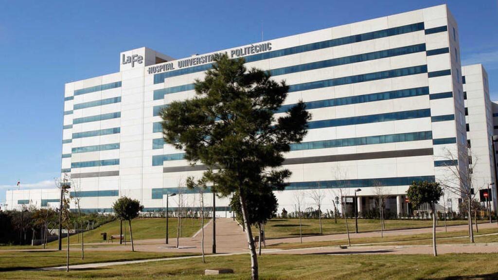 Acusados de malos tratos los padres de una bebé de un mes ingresada en la UCI en Valencia