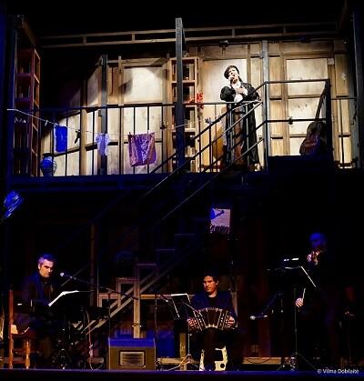 Analía Bueti llenó de tangos el Teatro Talia. (Foto-Vilma Dobilaite).