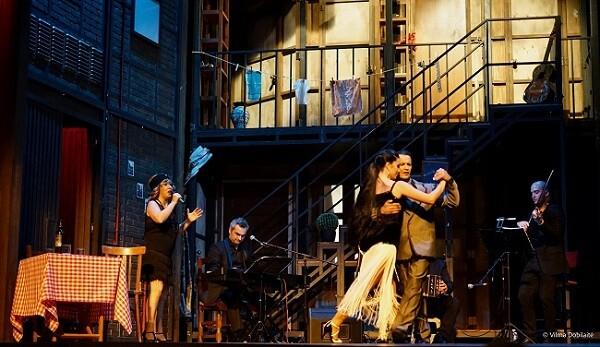 El show fue mucho más que un homenaje al repertorio gardeliano. (Foto-Vilma Dobilaite).