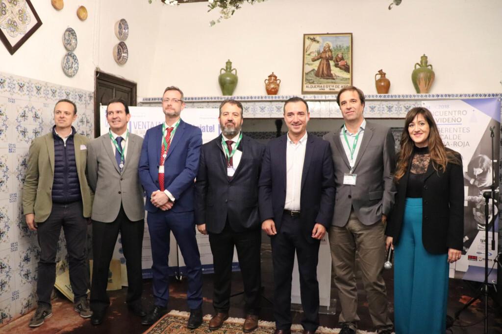 La junta de RibA3 con el alcalde de Riba-roja y la gerente de la asociación.