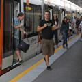 09/09/2013 ALICANTE.- Estudiantes de la Universidad de Alicante usan la Linea 2 del TRAM para llegar a clase / FOTO: ALEX DOMINGUEZ