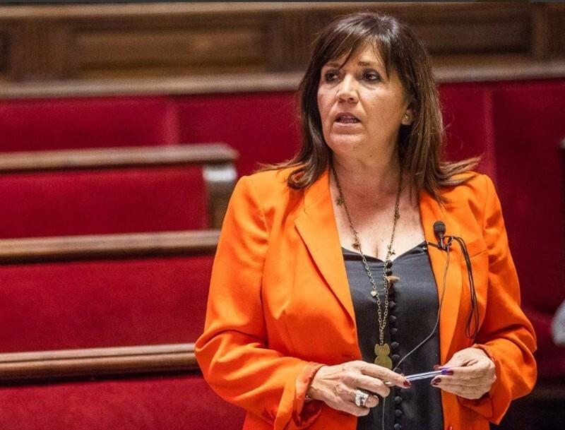 Jiménez se estrena en el pleno del Ayuntamiento de València como concejala no adscrita tras su salida de Cs