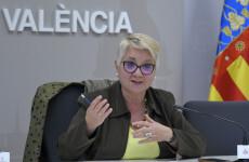"""La regidora de Servicis Socials, Consol Castillo, presenta en roda de premsa la 4a Jornada """"De l'horta a la plaça""""."""