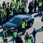 El Govern ofrece a los taxistas una hora para precontratar los VTC y Uber y Cabify anuncian que dejan Barcelona