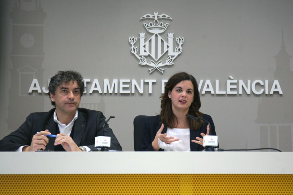 VALENCIA  13:10:00 La regidora de Turisme, Sandra G—mez, junt al secretari auton˜mic de Turisme, Francesc Colomer, oferixen una roda de premsa sobre el Conveni de Turisme de la Comunitat Valenciana.