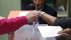 Unidos Podemos y PSOE presentan una propuesta para eliminar el voto rogado de cara a las elecciones de mayo