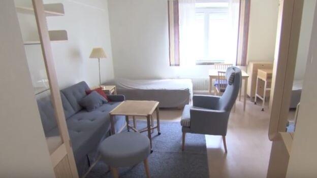 Los diputados tienen derecho a apartamentos pequeños y sin lujo, y en los cuales su familia no puede estar gratuitamente.