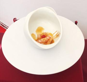 El chef Alejandro Serrano, del Restaurante Alejandro, ganador de la 8ª edición del Concurso Creativo de la Gamba Roja de Dénia (3)