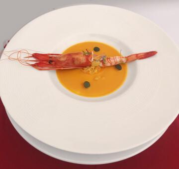 El chef Alejandro Serrano, del Restaurante Alejandro, ganador de la 8ª edición del Concurso Creativo de la Gamba Roja de Dénia (6)