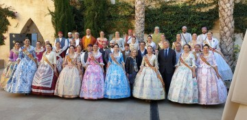 La Junta Local Fallera de Xátiva visita Valencia en la recepción fallera (13)