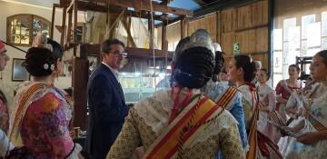 La Junta Local Fallera de Xátiva visita Valencia en la recepción fallera (59)