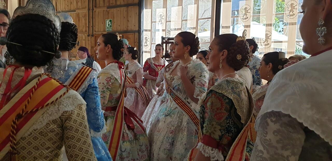 La Junta Local Fallera de Xátiva visita Valencia en la recepción fallera (65)