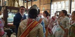 La Junta Local Fallera de Xátiva visita Valencia en la recepción fallera (66)