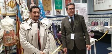 La falla Espartero G.V Ramón y Cajal recibe a la delegación deexpertos enindumentaria de Unesco (13)