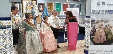 La falla Espartero G.V Ramón y Cajal recibe a la delegación deexpertos enindumentaria de Unesco (23)