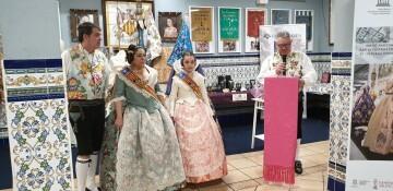 La falla Espartero G.V Ramón y Cajal recibe a la delegación deexpertos enindumentaria de Unesco (29)